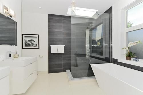 2-bath 3 (3)